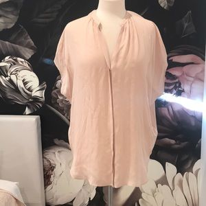 VINCE 100 Silk blush top.  Sz S or M